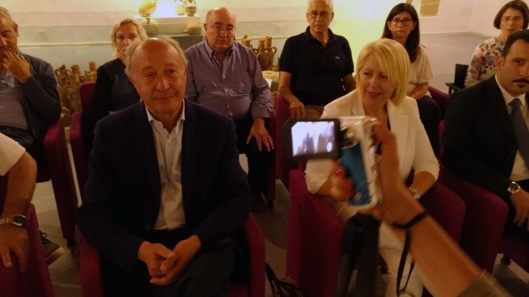 conferenz stampa col sindaco ed amministrazione marselese